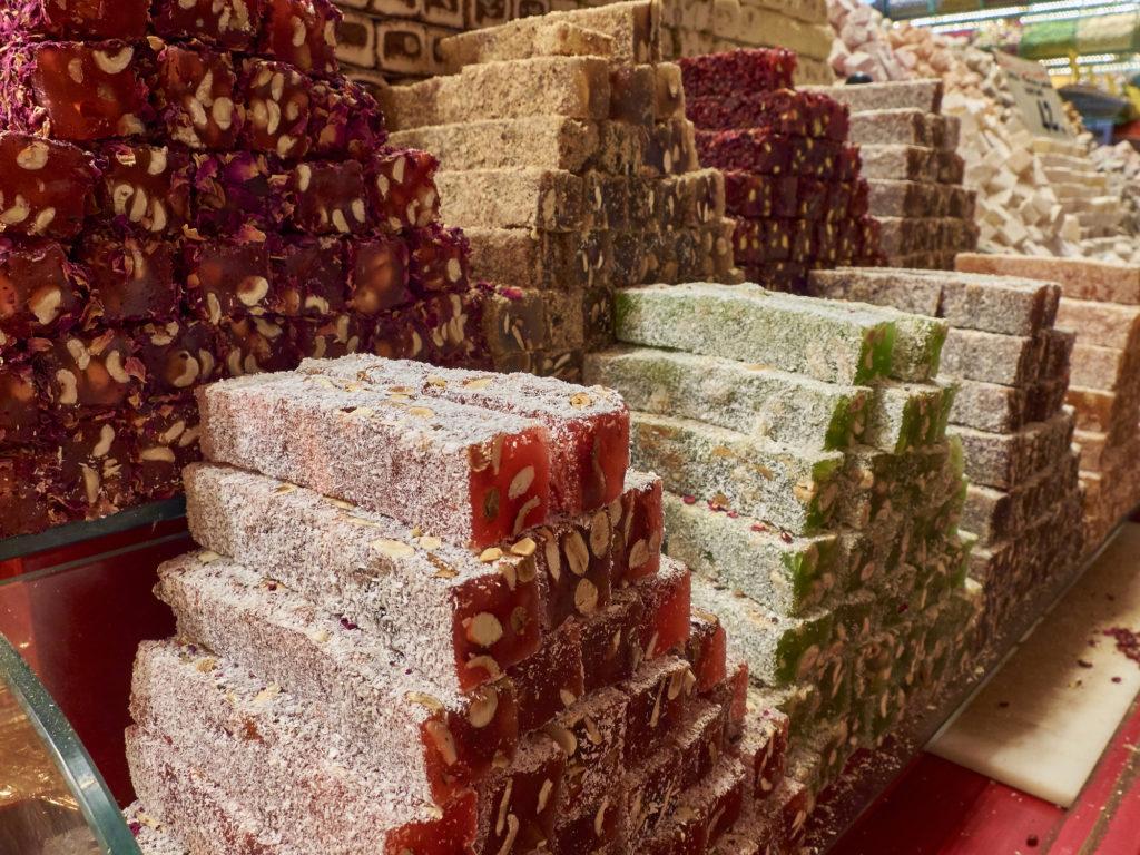 фото витрины сладостей из Египта